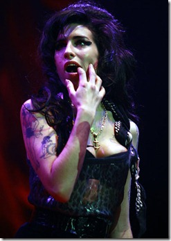 amy-winehouse-booed-offstage